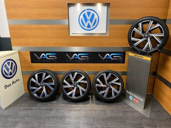 Volkswagen Golf 8 – 5H BERGAMO 18 inch velgen Zomerbanden 5H0601025M / AB