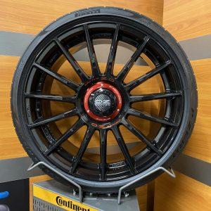 Nieuwe set OZ Racing Superturismo Evoluzione Gloss Black ET44 8,5×19 W01852209M4