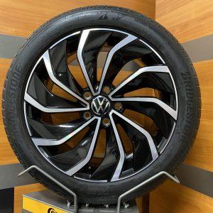 Volkswagen Golf 8 – 5H VENTURA 17 inch velgen Zomerbanden 5H0601025D