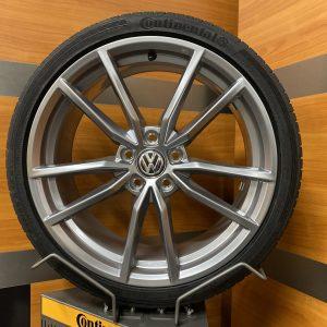 Volkswagen Golf R PRETORIA TITAN GREY 19 inch velgen Zomerbanden 5G0601025AJ / 5G0601025CK zilver
