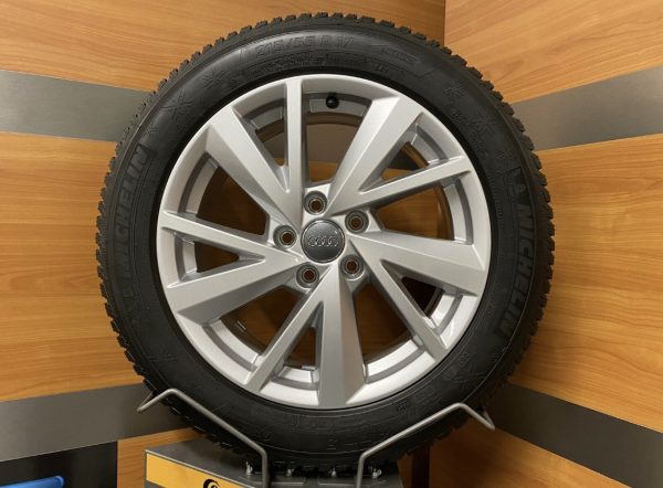Audi Q2 GA 5 V-Speichen Design 17 inch Winterbanden 81A601025C