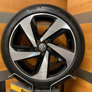 Volkswagen Polo 2G gti MILTON KEYNESS 17 inch velgen Zomerbanden 2G0601025AB
