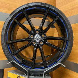 Volkswagen Golf R PRETORIA BLUE STRIPES 19 inch velgen Zomerbanden 5G0601025AJ / 5G0601025CK