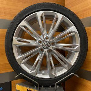 Volkswagen Passat VERONA 19 inch velgen Zomerbanden 3G0601025R R-line