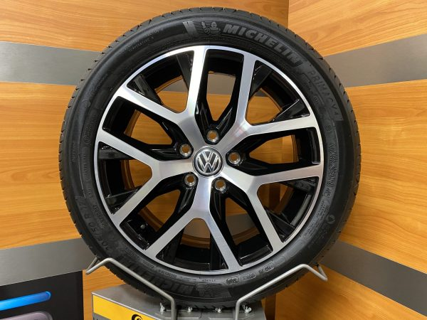 Volkswagen Caddy 2K5 CANYON 17 inch velgen Zomerbanden 2K5601025F