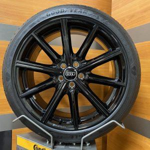 Audi A1 GB 82A Audi Sport 10 Speichen Stern Design Glossy Black 18 inch Zomerbanden 82A601025AN AX1