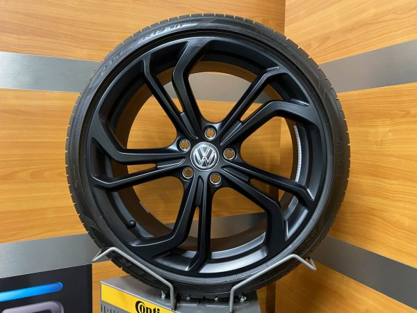 Volkswagen Golf gti tcr REIFNITZ 19 inch velgen Zomerbanden 5G0601025EB