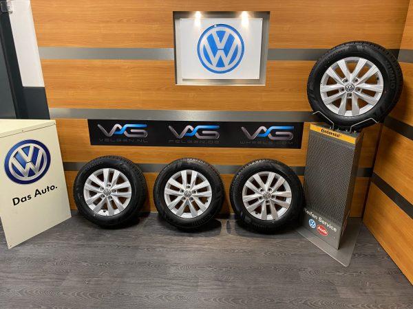 Volkswagen Transporter T6 T6.1 CLAYTON 16 inch velgen Winterbanden 7E0601025N MULTIVAN