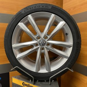 Volkswagen Polo 2G PAMPLONA 17 inch R-line velgen Zomerbanden 2G0601025J /B