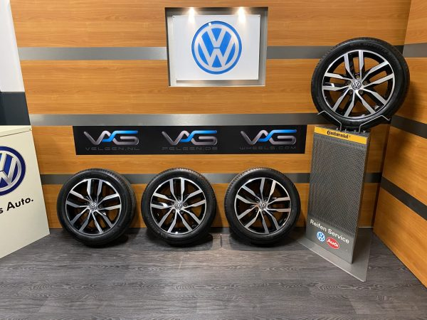 Volkswagen Caddy 2K5 MADRID 17 inch velgen Zomerbanden 2K5601025F