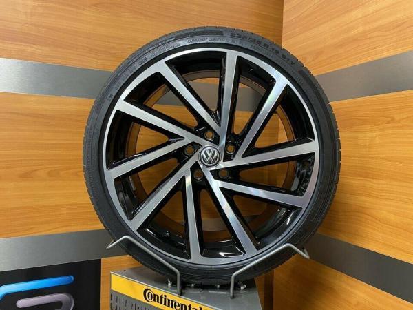 VW Golf R SPIELBERG 19 Inch Zomerbanden gtd gti tcr 5G0601025DB