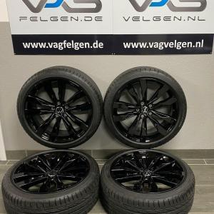 Nieuwe VW T-ROC SUZUKA 19 Inch Velgen op zomerbanden BlackStyle 2GA601025AE